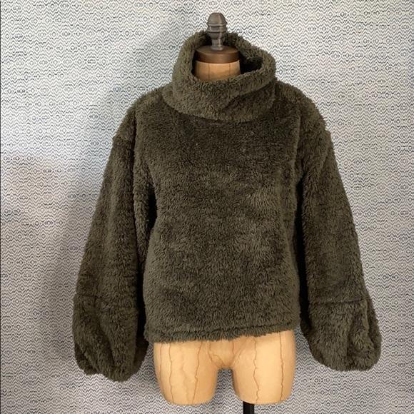 lululemon Warm Restore Sherpa Pullover - Olive M/L